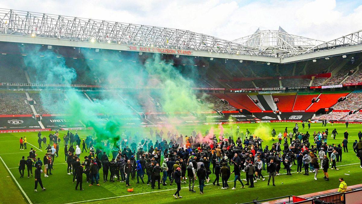 Hinchas del Manchester United invadieron el Old Trafford