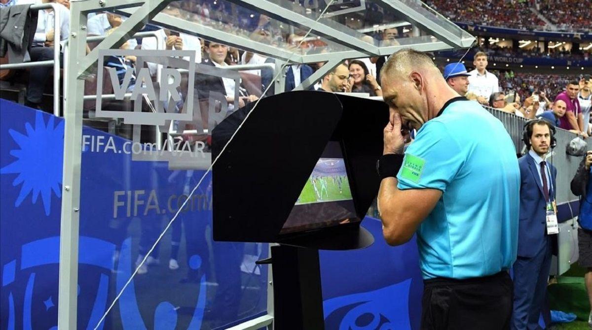 El VAR llegará al fútbol argentino en el próximo torneo.