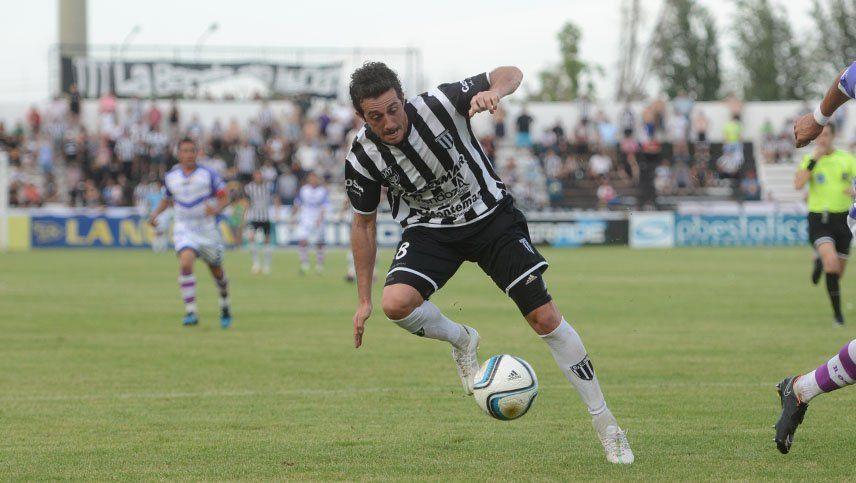 Neri Espinosa, ante un nuevo desafío en Deportivo Maipú