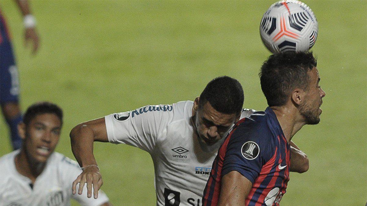 San Lorenzo perdió de local ante Santos y se complicó