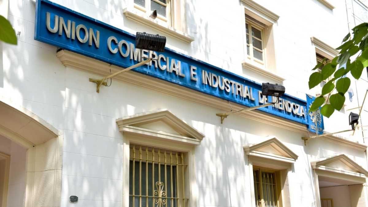 La situación actual y proyección a futuro inmediato del turismo preocupan mucho a la Unión Comercial e Industrial de Mendoza -UCIM-.