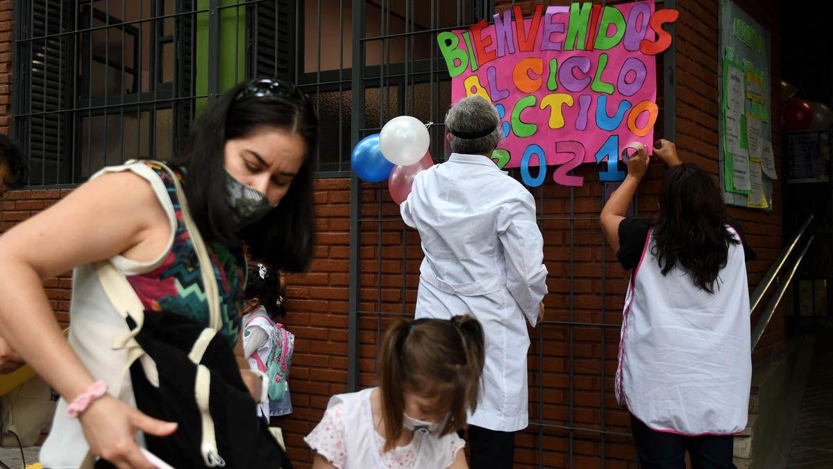 Medio millón de estudiantes volvieron a la escuela en Mendoza
