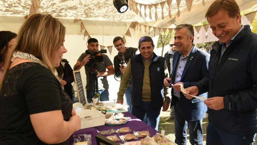 Emprendedores alvearenses recibieron subsidios para microemprendimientos