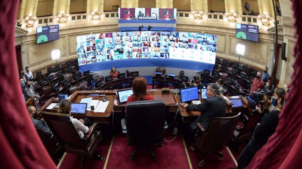 Una Asamblea Legislativa atípica, sin invitados ni marchas
