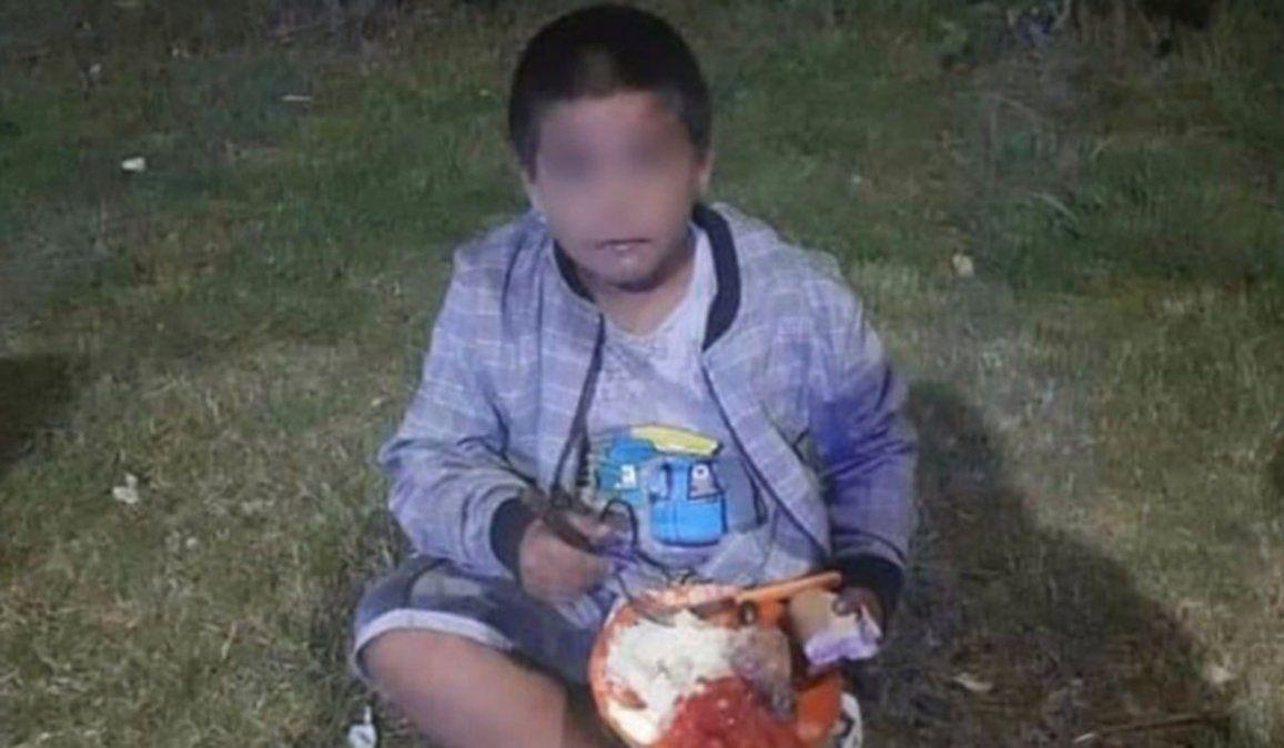 Abandonó a su hijo de siete años en una plaza en Grand Bourg