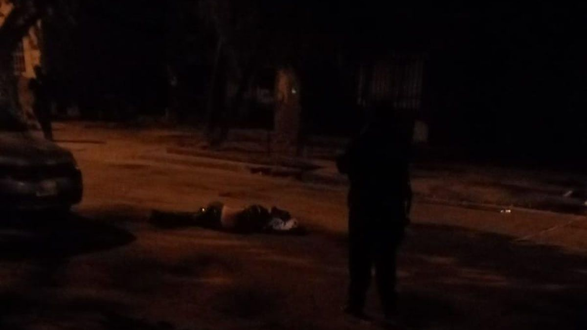 El hombre que se enfrentó a los tiros con la Policía murió al recibir dos disparos.