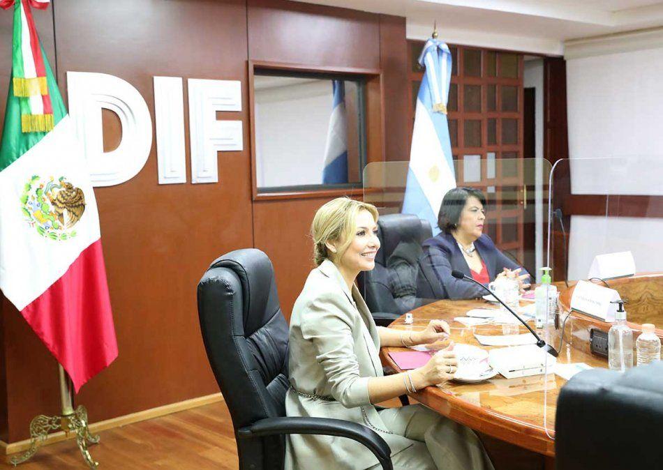 Fabiola Yáñez se reunió en México con autoridades del Sistema Nacional para el Desarrollo Integral de la Familia para hablar sobre niños y adolescentes. Foto: Télam.