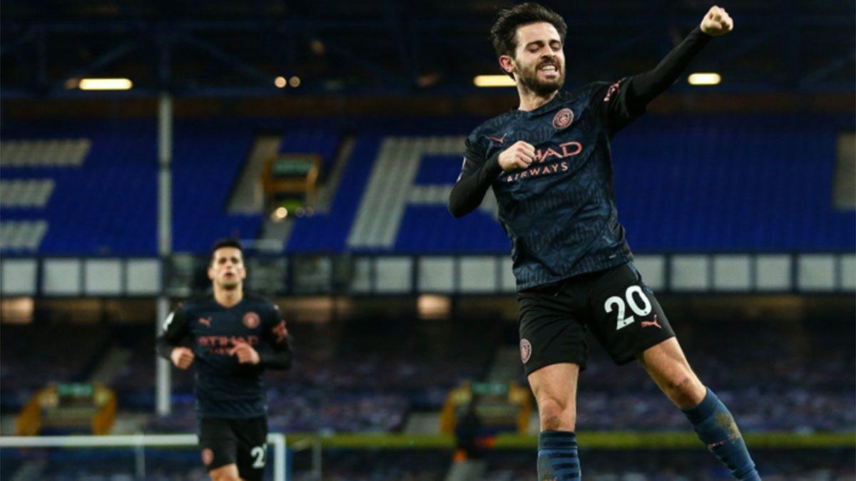 El líder Manchester City ganó y le sacó 10 puntos al United