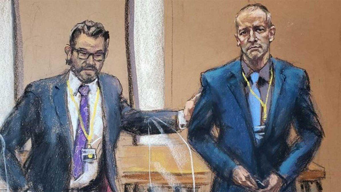 Derek Chauvin asesinó a George Floyd hace casi un año en Minneapolis y comenzó a ser juzgado. Con su rodilla asfixió a Floyd durante 9´ y 29´´.