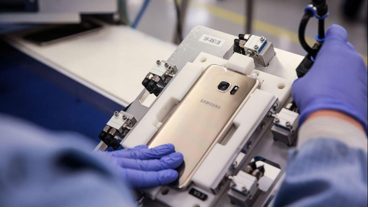 La fabricante de celulares Brightstar se iría de la Argentina.