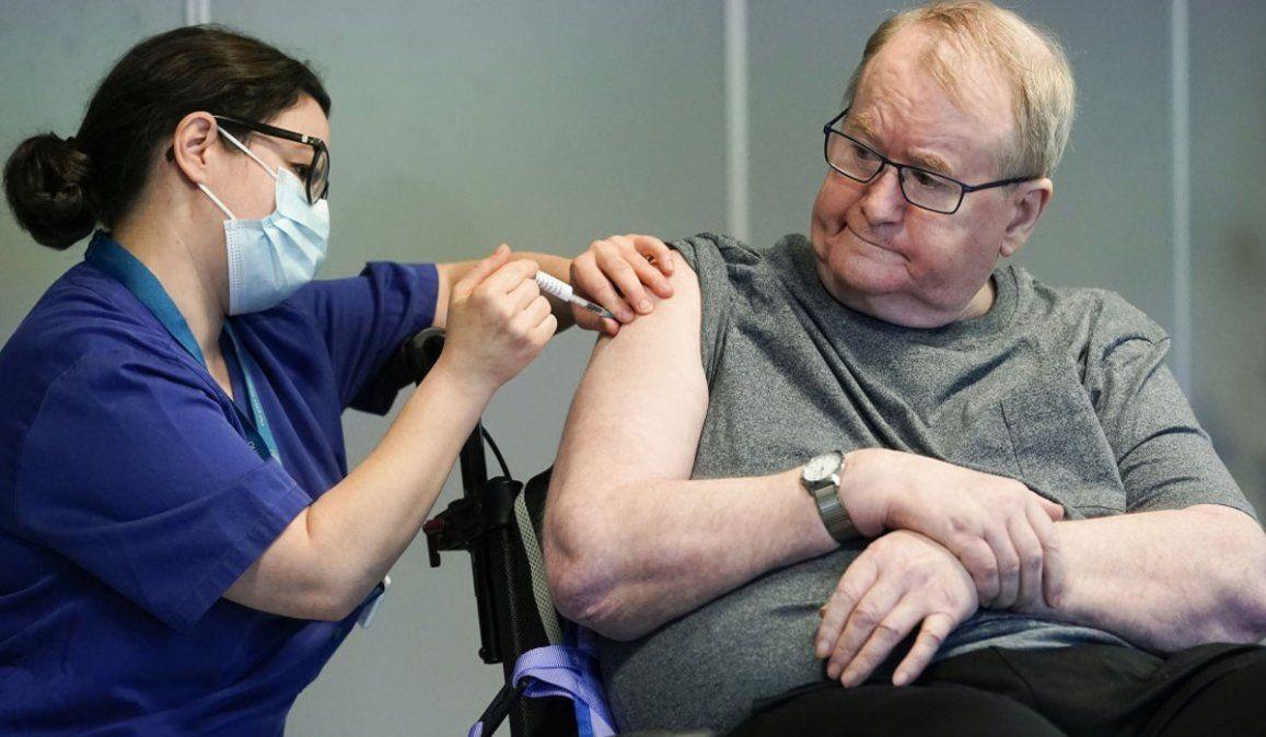 Noruega advirtió que las vacunas contra el coronavirus pueden ser riesgosas para los mayores de 80 años