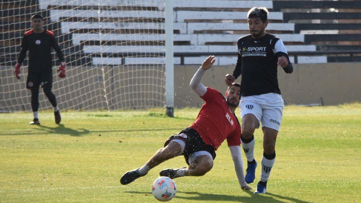 Gimnasia y Huracán Las Heras empataron 1 a 1 en el ensayo en el Víctor Legrotaglie.