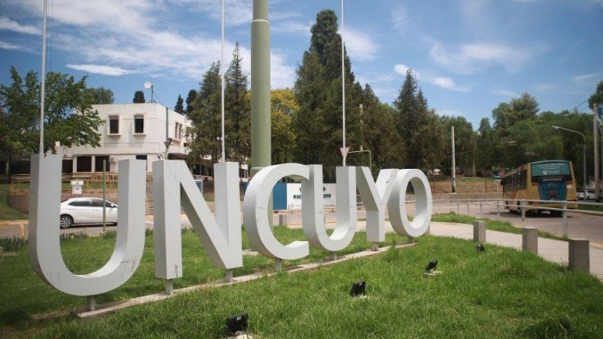 La UNCuyo aún no definió las fechas de inscripción para los colegios secundarios y la primaria. Lo hará el Consejo Superior el próximo miércoles en su reunión ordinaria.