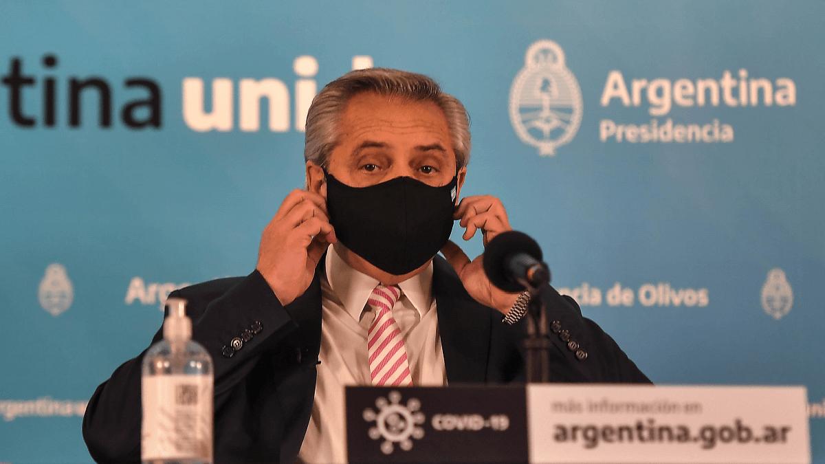 Cómo y por qué Alberto Fernández decidió un confinamiento de nueve días