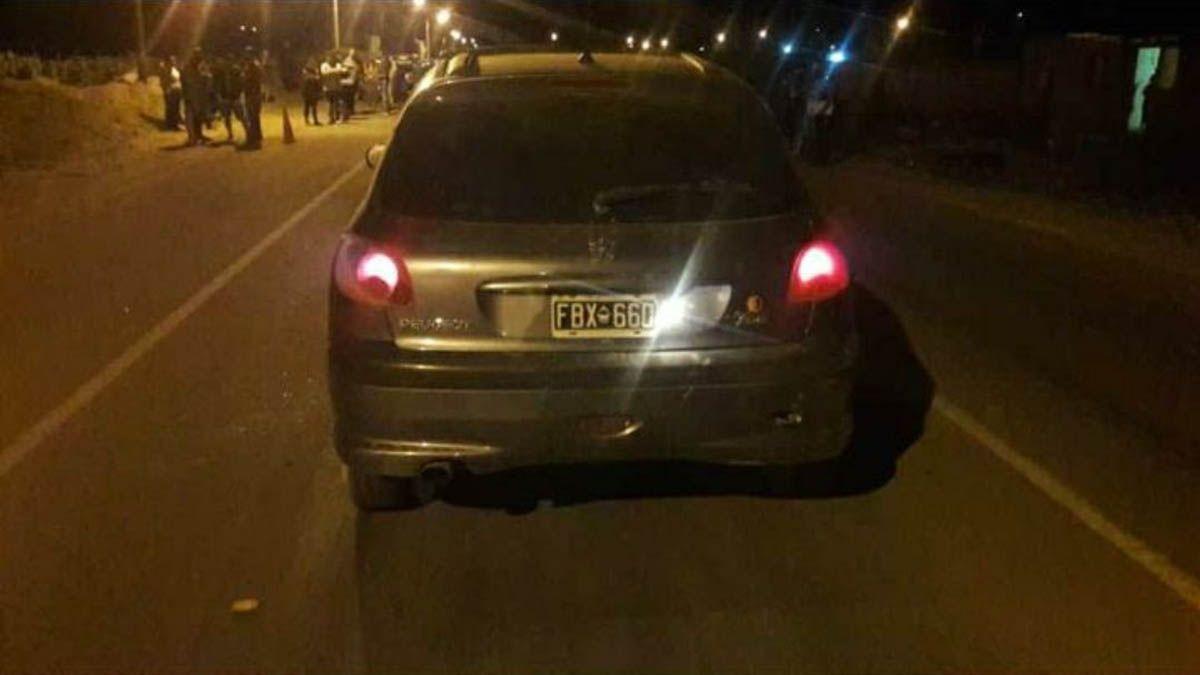 El auto que manejaba el conductor de la tragendia en San Carlos. Gentileza: Diario Mendoza