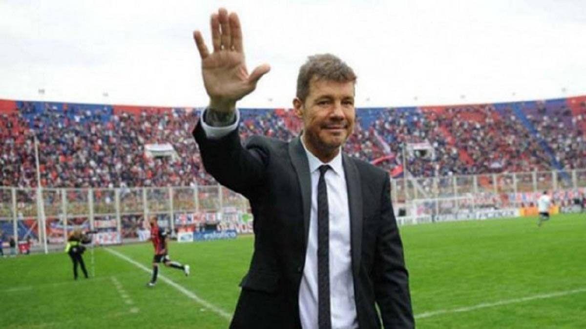 Tinelli explotó y abandonó San Lorenzo