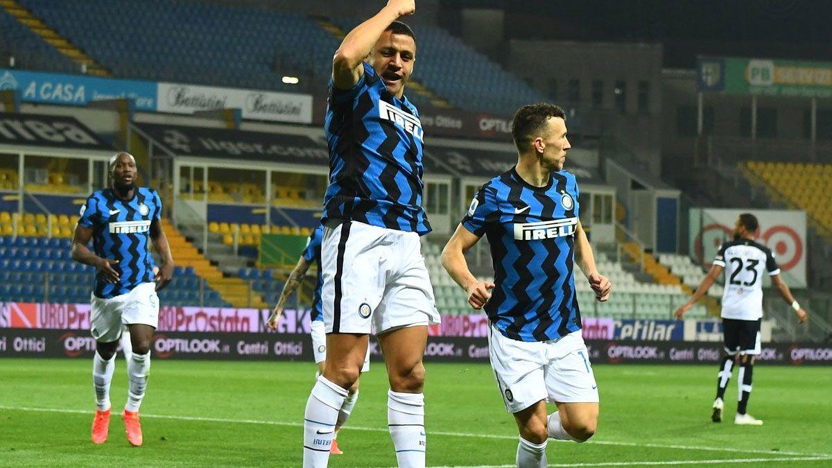 Alexis Sánchez le dio el triunfo al Inter que sigue arriba