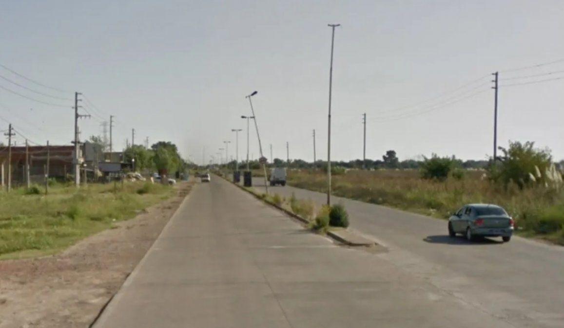El oficial de la Policía Bonaerense se detuvo porque su auto sufrió un desperfecto mecánico y dos sujetos intentaron asaltarlo. El policía mató a uno de ellos