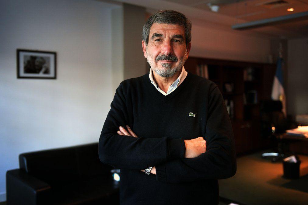 Satélite argetino: El ministro de Ciencia