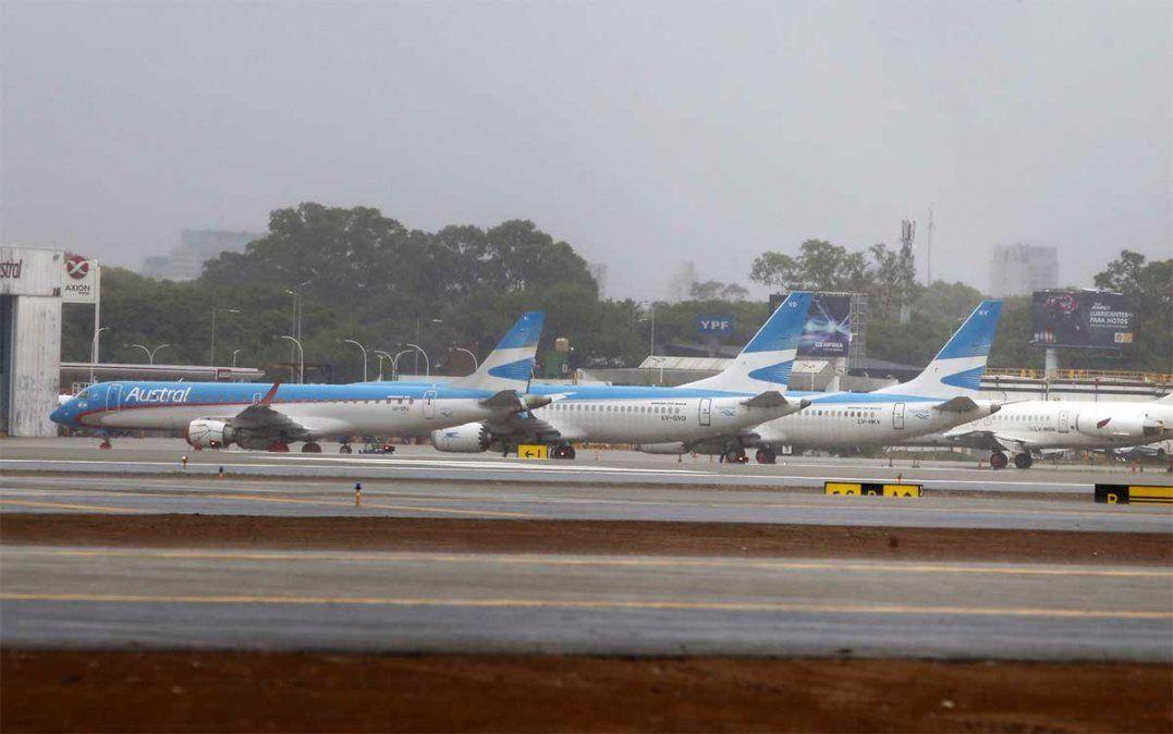 Vuelos de cabotaje de la empresa estatal Aerolíneas Argentinas sufrían demoras este viernes en el Aeroparque Jorge Newbery debido a una huelga sorpresiva.