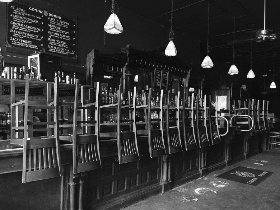 Varios bares de Mendoza están al límite de cerrar sus puertas.