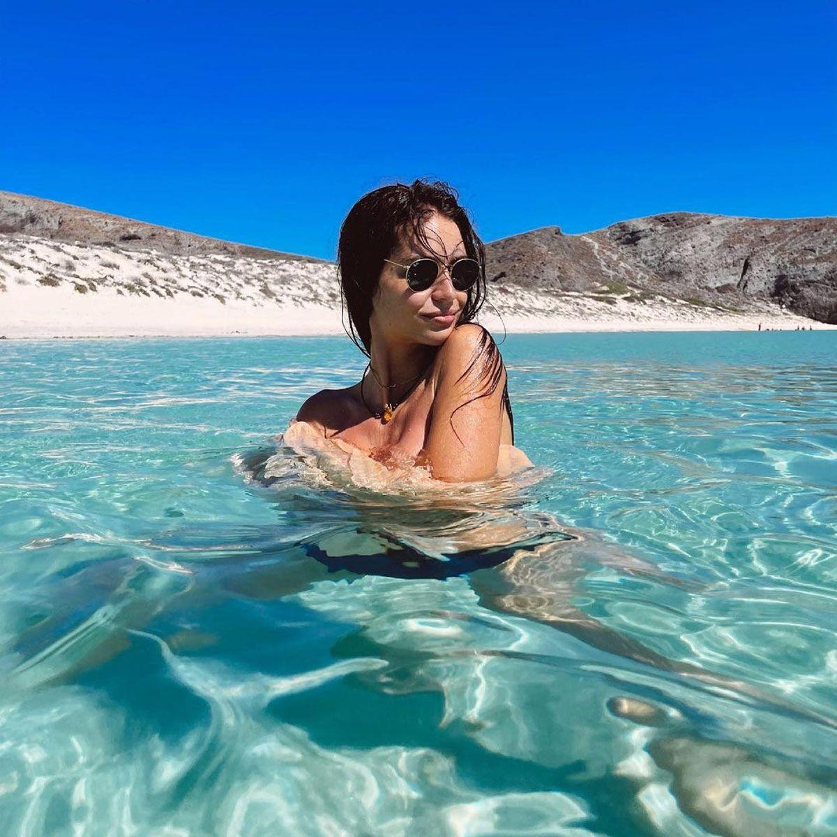 ¡Salvaje! Zaira Nara se bañó sin ropa interior en el mar