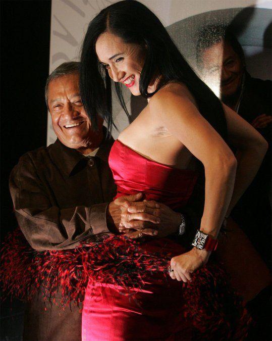 Armando Manzanero falleció este lunes a los 85 años a causa de un paro cardíaco derivado de un cuadro de coronavirus. Dolor mundial.
