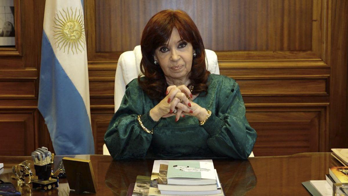 Cristina Kirchner criticó a Fabián Pepín Rodríguez Simón por haber pedido asilo político en Uruguay y rechazó las críticas de Juntos por el Cambio.