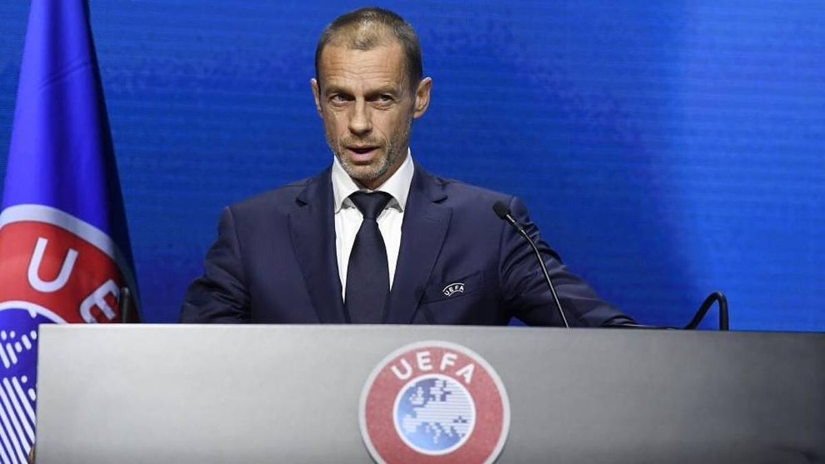 Aleksander Ceferin, presidente de la UEFA, hizo el anuncio oficial.