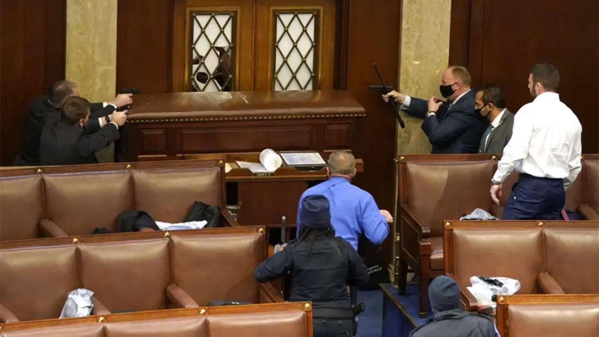 Una persona fue herida de bala dentro del Capitolio