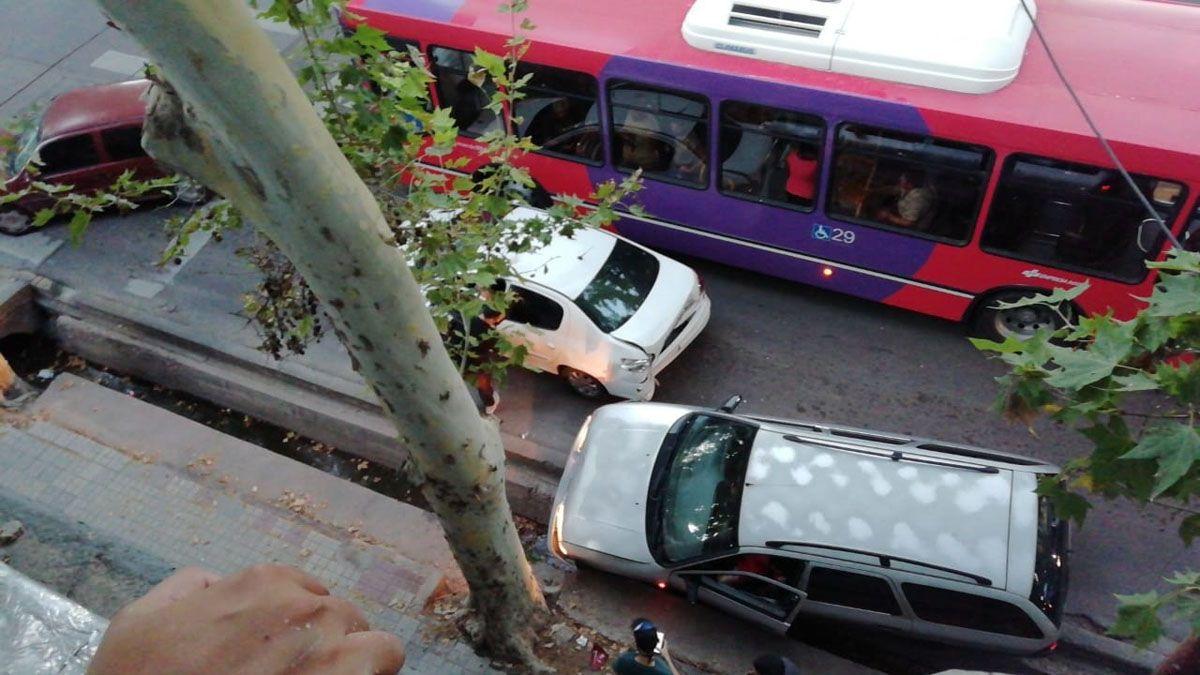 Así quedó el auto de Facundo Kako Martínez luego de ser baleado por la Policía Federal