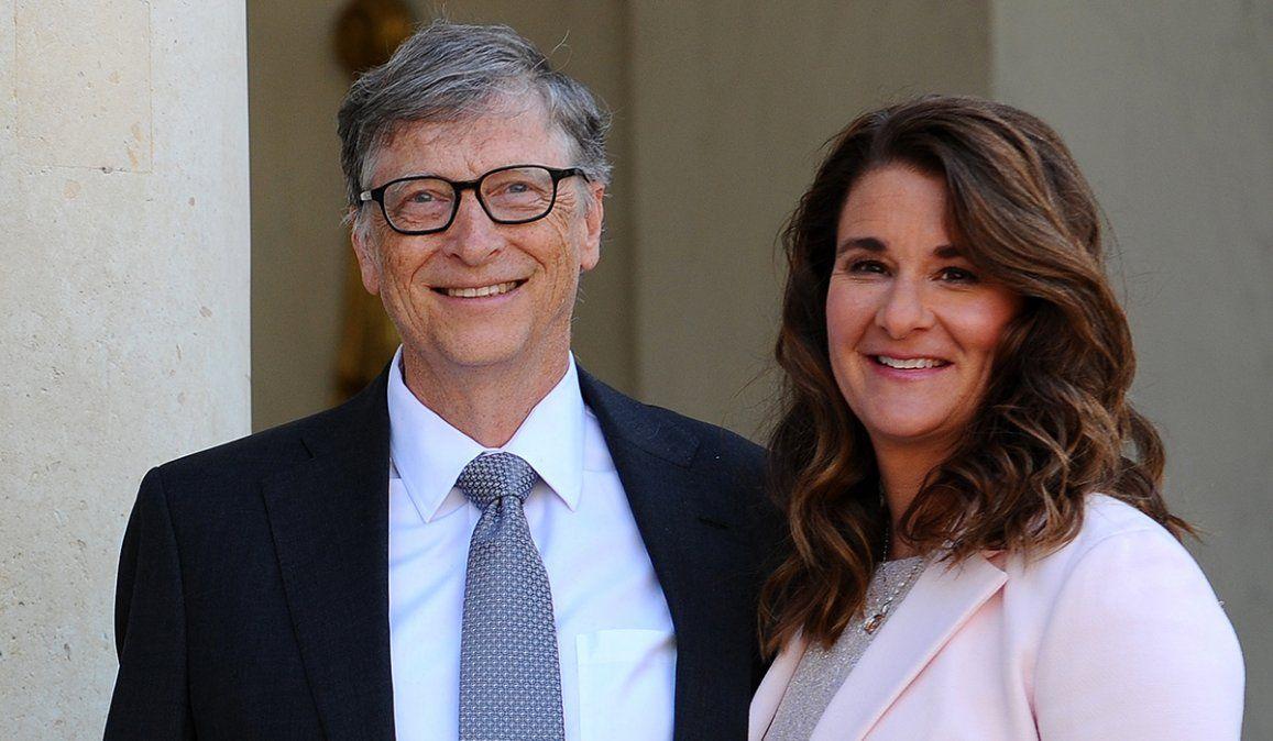 Bill Gates y Mekinda anunciaron juntos a traves de la red social Twitter el divorcio después de 27 años