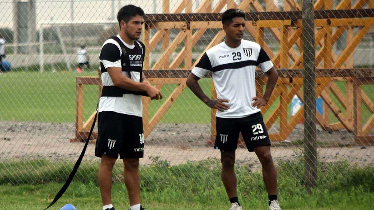 Cortés está a la derecha con Oscar Garrido
