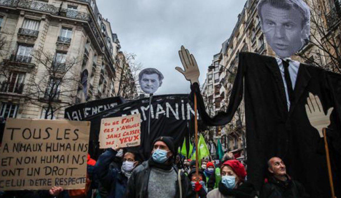 Miles de ciudadanos salieron a protestar en distintas ciudades de Francia en contra de la Ley de Seguridad Global de Emmanuel Macron