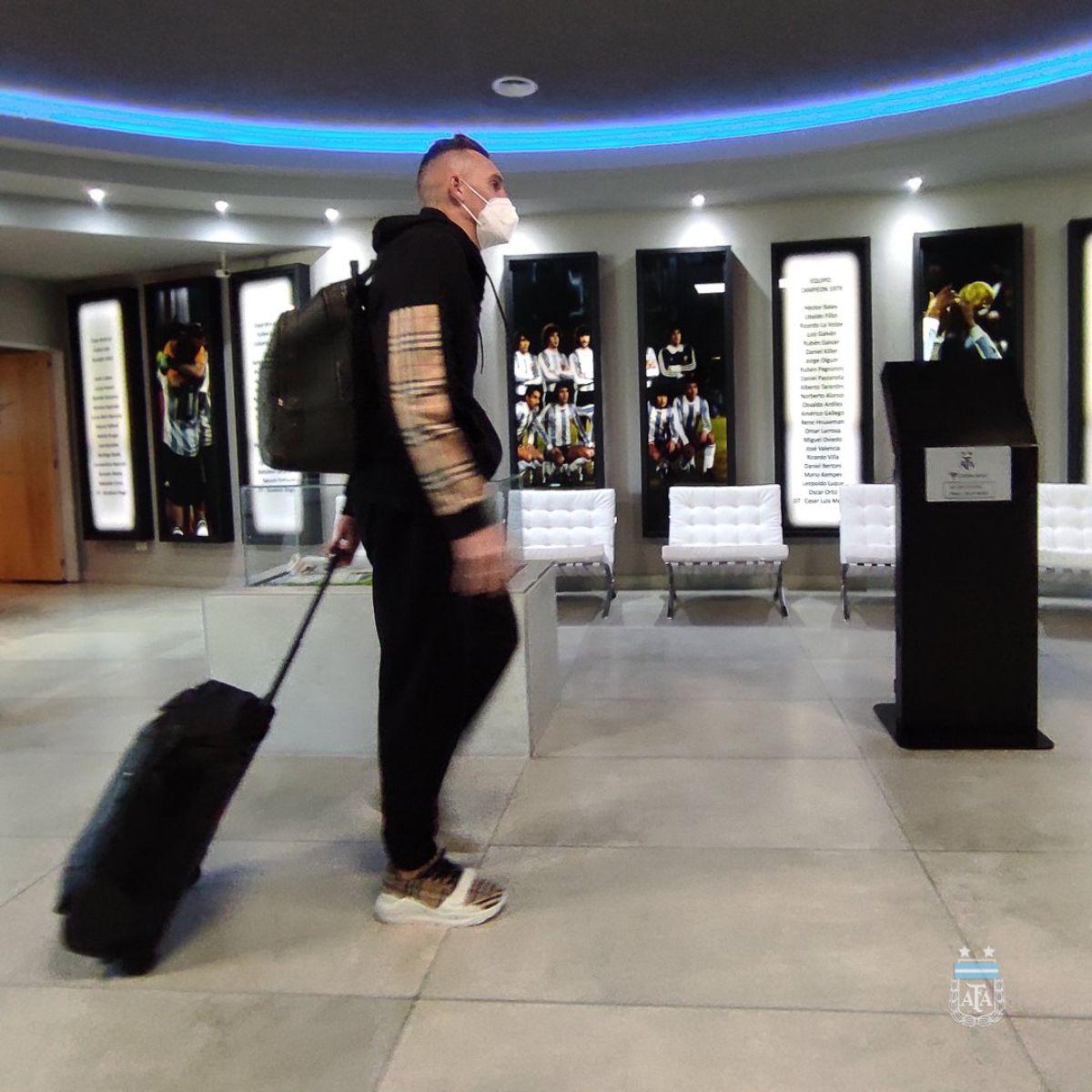 Franco Armani no viaja con la Selección Argentina.