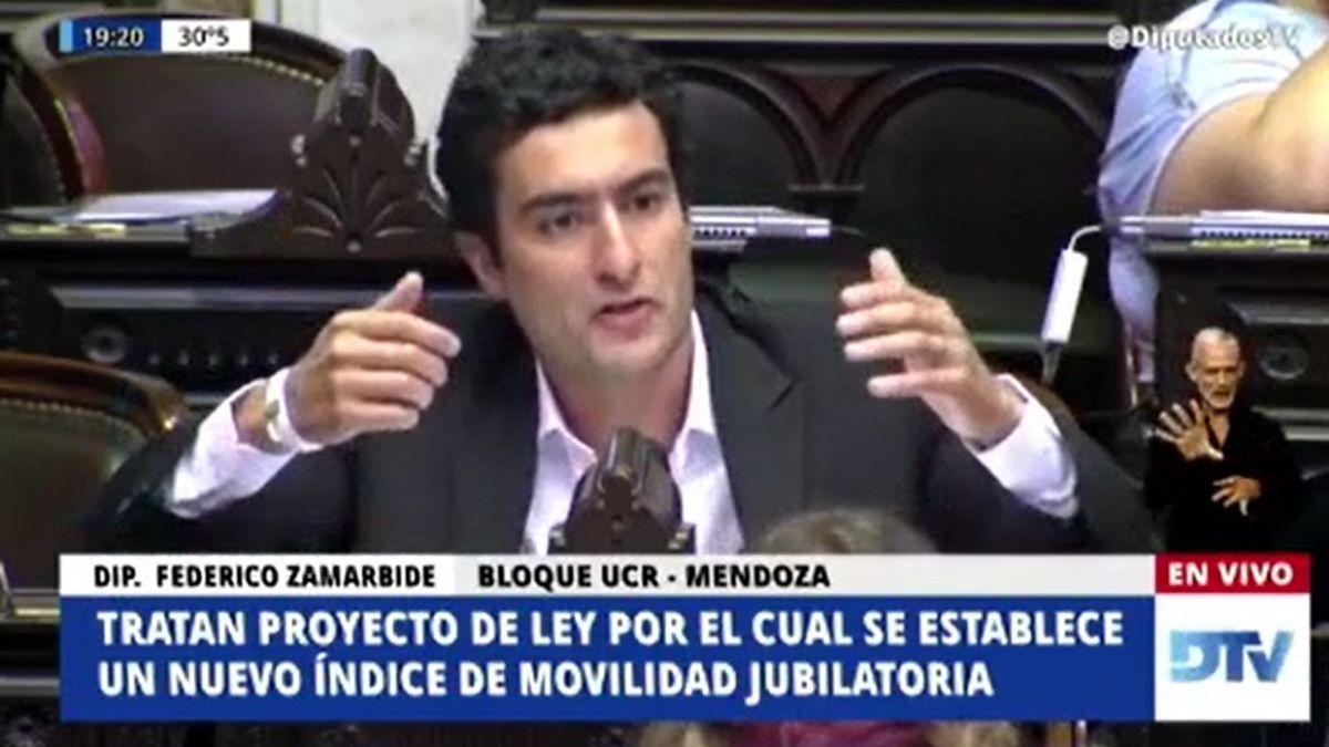 Zamarbide habó de una estafa electoral a los jubilados