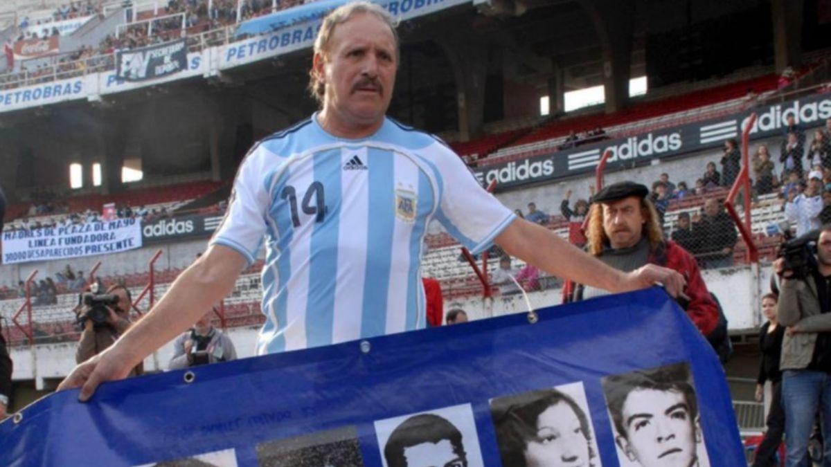 Leopoldo Luque sigue internado con pronóstico reservado