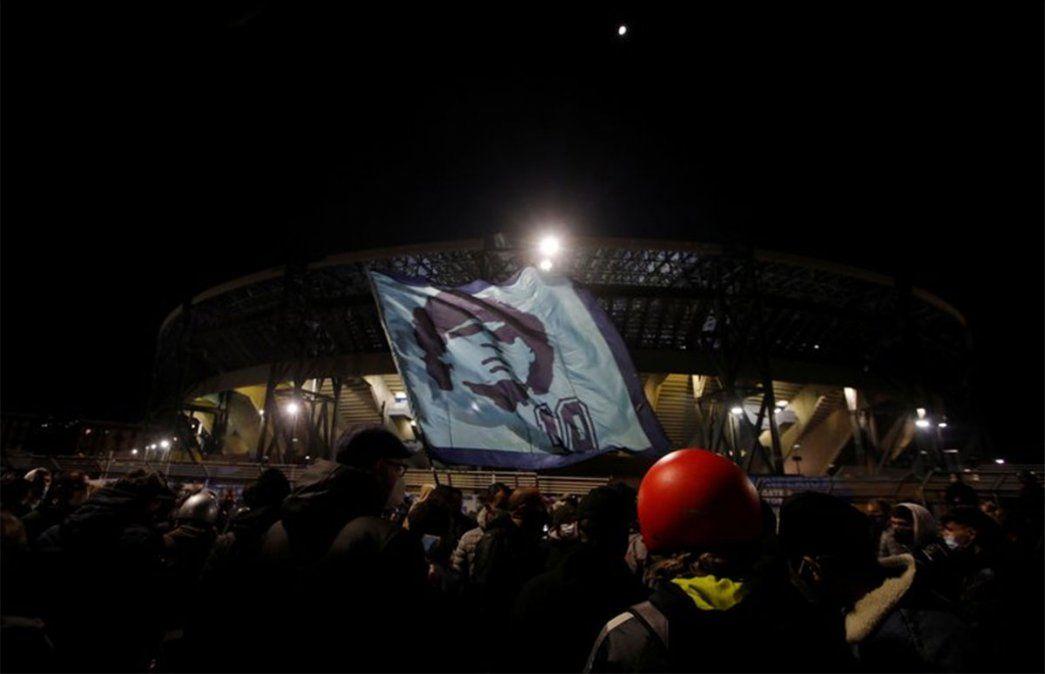 Nápoles prepara el aplauso más grande de la historia porque murió Maradona
