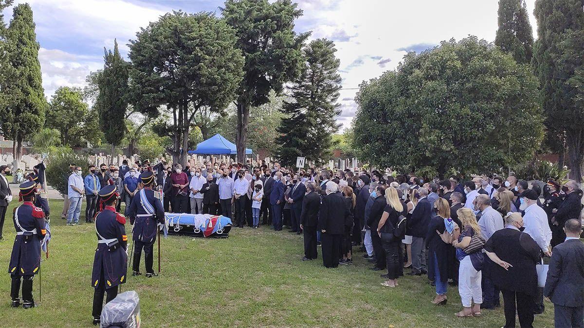 Inhumaron los restos de Carlos Saúl Menem