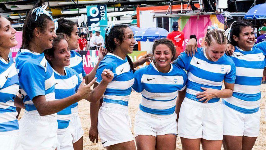 Medallas de oro para Argentina en el rugby de playa, en damas y varones
