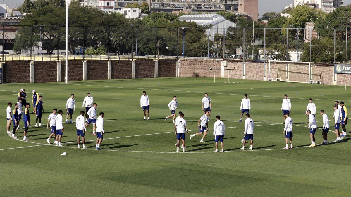 Russo tiene dos dudas en Boca para jugar con Independiente
