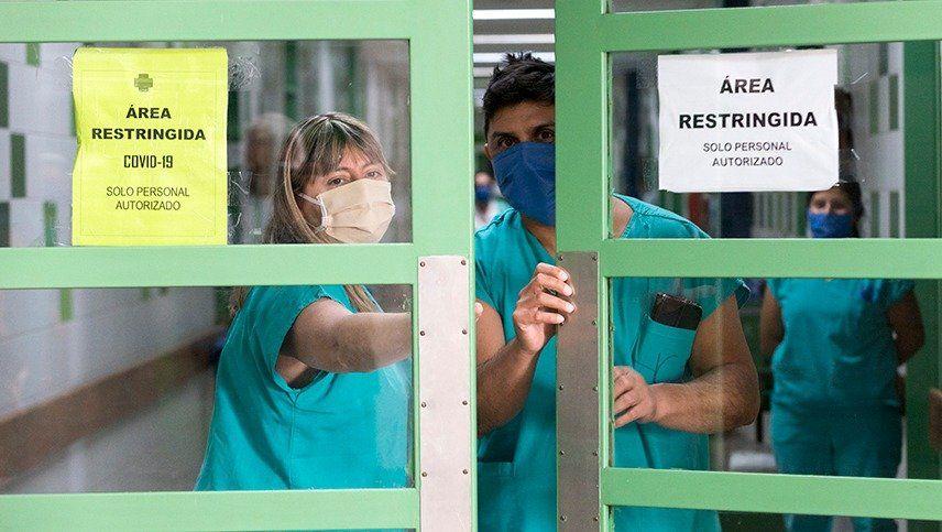 Polémica por la cantidad de profesionales de la salud contagiados de Covid en Mendoza