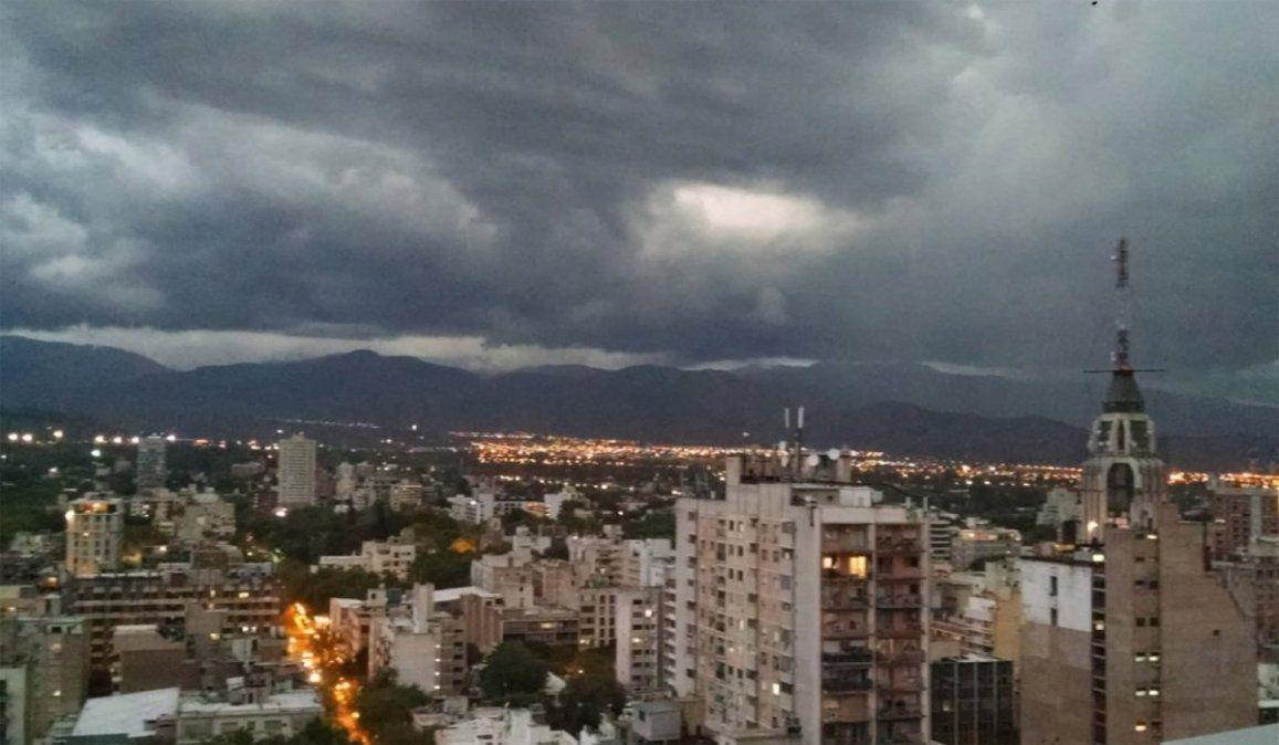 Alerta por tormentas aisladas y granizo en Mendoza