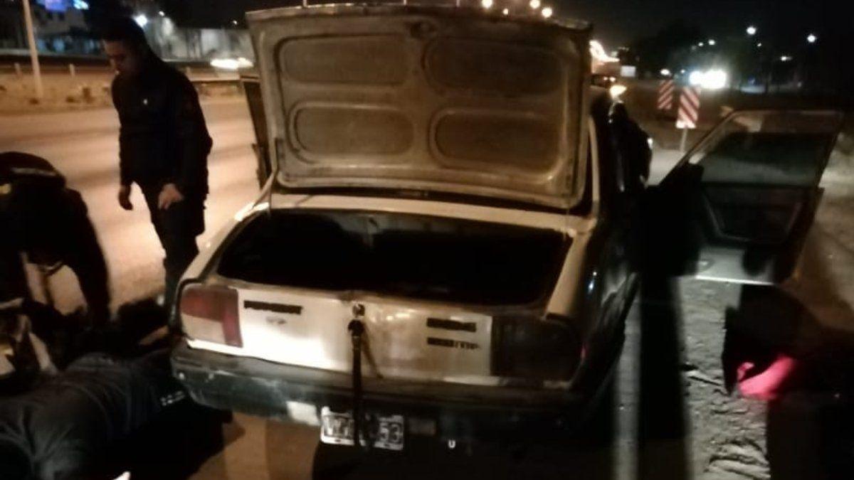 El auto donde se encontró el primer cargamento de marihuana.