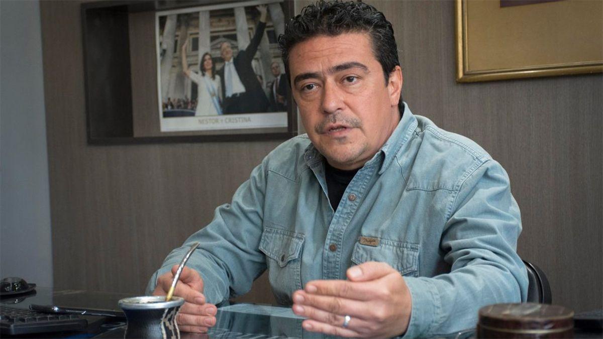 El diputado Marcelo Aparicio (PJ) presentó un proyecto para que Mendoza adhiera al DNU nacional sobre la suspensión de las clases presenciales por dos semanas.