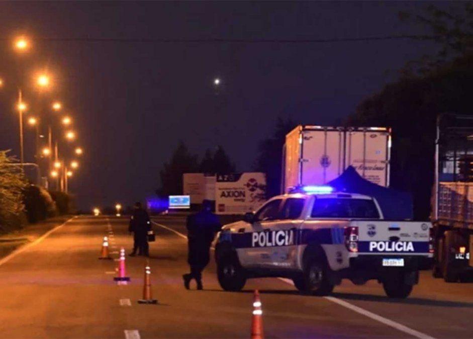 Un hombre fue hallado asesinado a tiros y otro herido también de arma de fuego a la vera de la autopista de las Serranías Puntanas
