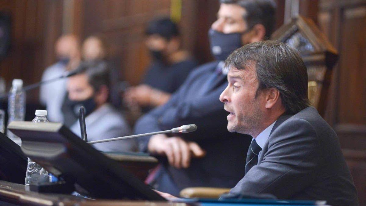 El ministro Nieri defendió el presupuesto 2021 que envió Suarez a la Legislatura.