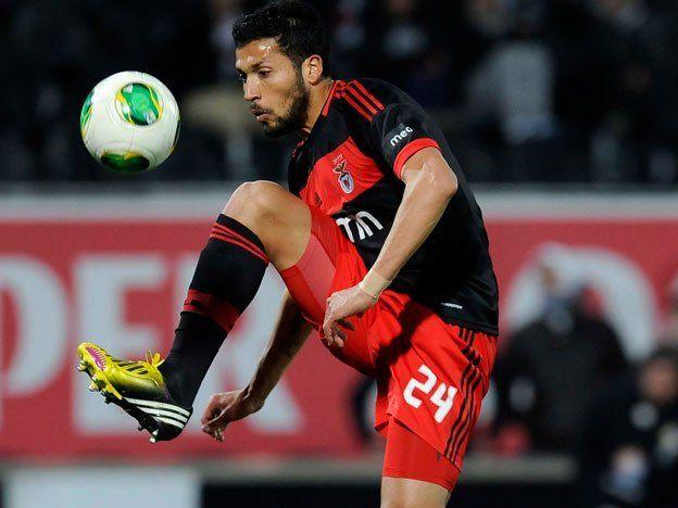 Ezequiel Garay es jugador del United