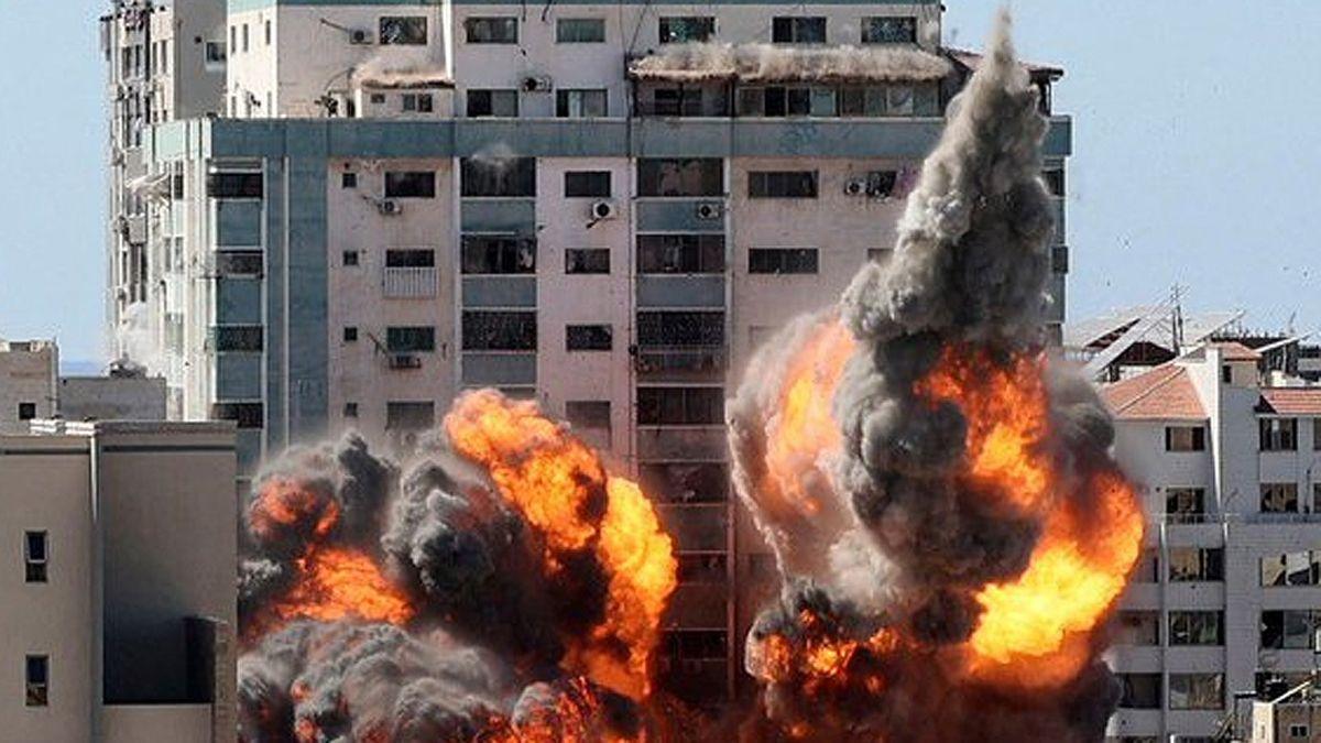 Periodistas Sin Fronteras acusa a Israel de crímenes de guerra ante la Corte Internacional por atacar un edificio con oficinas de prensa en Gaza.
