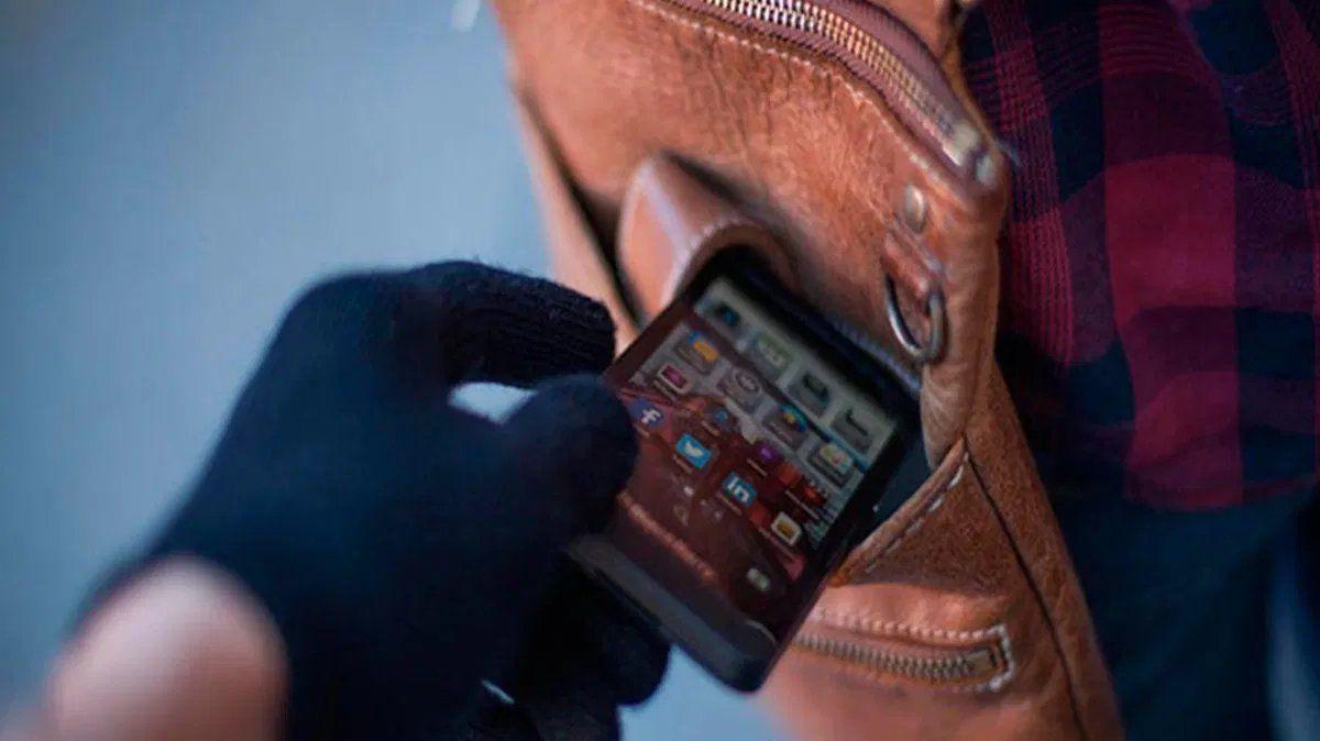 Los robos de celulares en la zona de la Terminal durante las noches se multiplican.